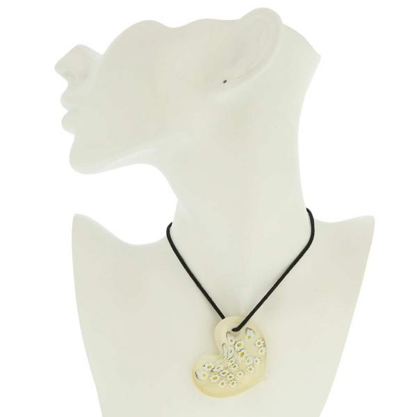 Cream Daisy Murano Heart Pendant