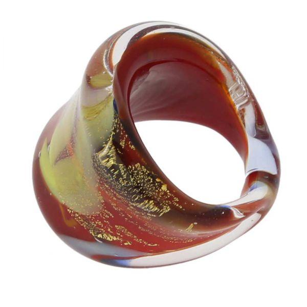 Avventurina Sparkling Red Ring In Flat Design