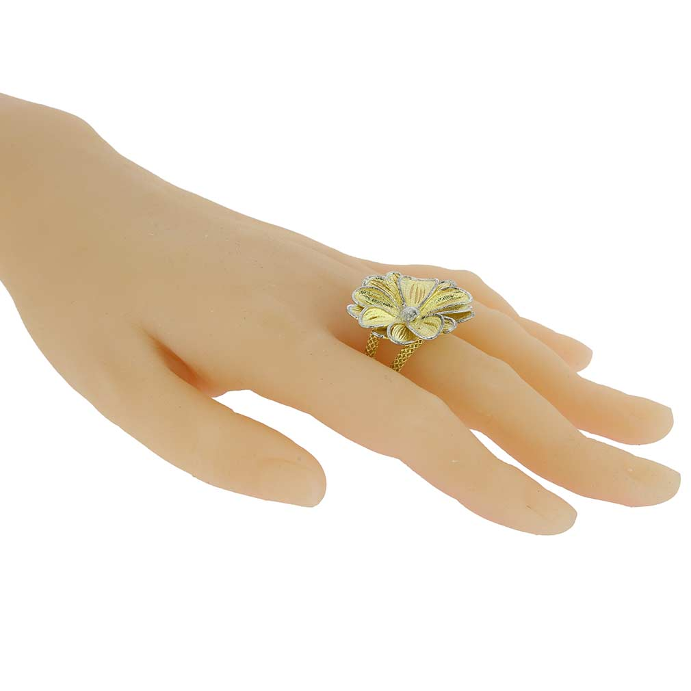 Daisy flower sterling silver gold plated ring daisy flower sterling silver gold plated ring loading zoom izmirmasajfo
